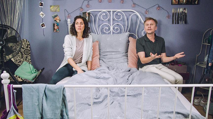 """Familiensache (3)"": Katrin Lux (Dani), Robert Stadlober (Andi)"